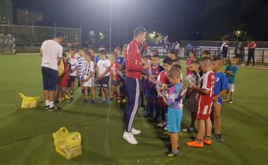 Školski pribor za polaznike škole fudbala