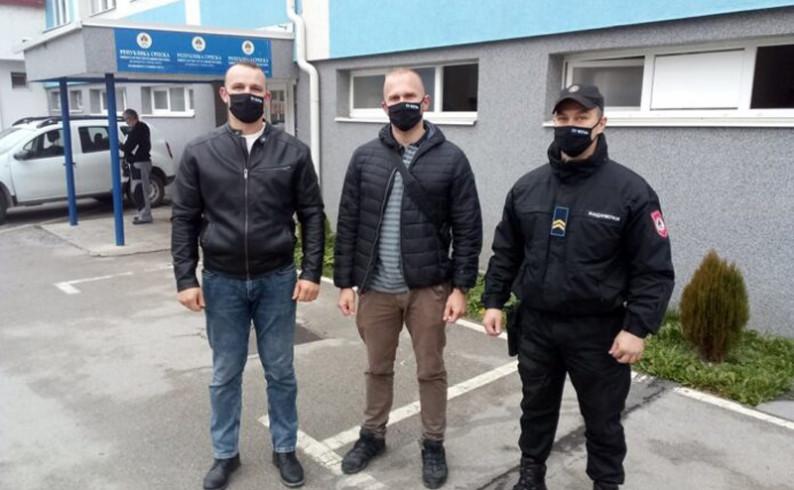 Fočanski policajci-skiperi spasili sugrađanina