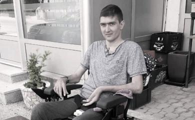 Preminuo Nemanja Starović
