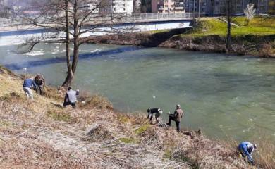 U toku akcija čišćenja obala rijeke Ćehotine