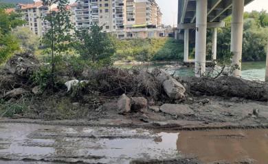 Uklanja se konstrukcija mosta srušenog u NATO bombardovanju