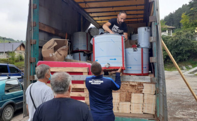 Paketi pčelarske opreme za 54 fočanska pčelara