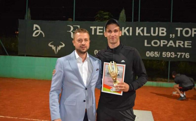 """Tenis: Fundup neumoran- osvojio i """"Lopare open"""""""